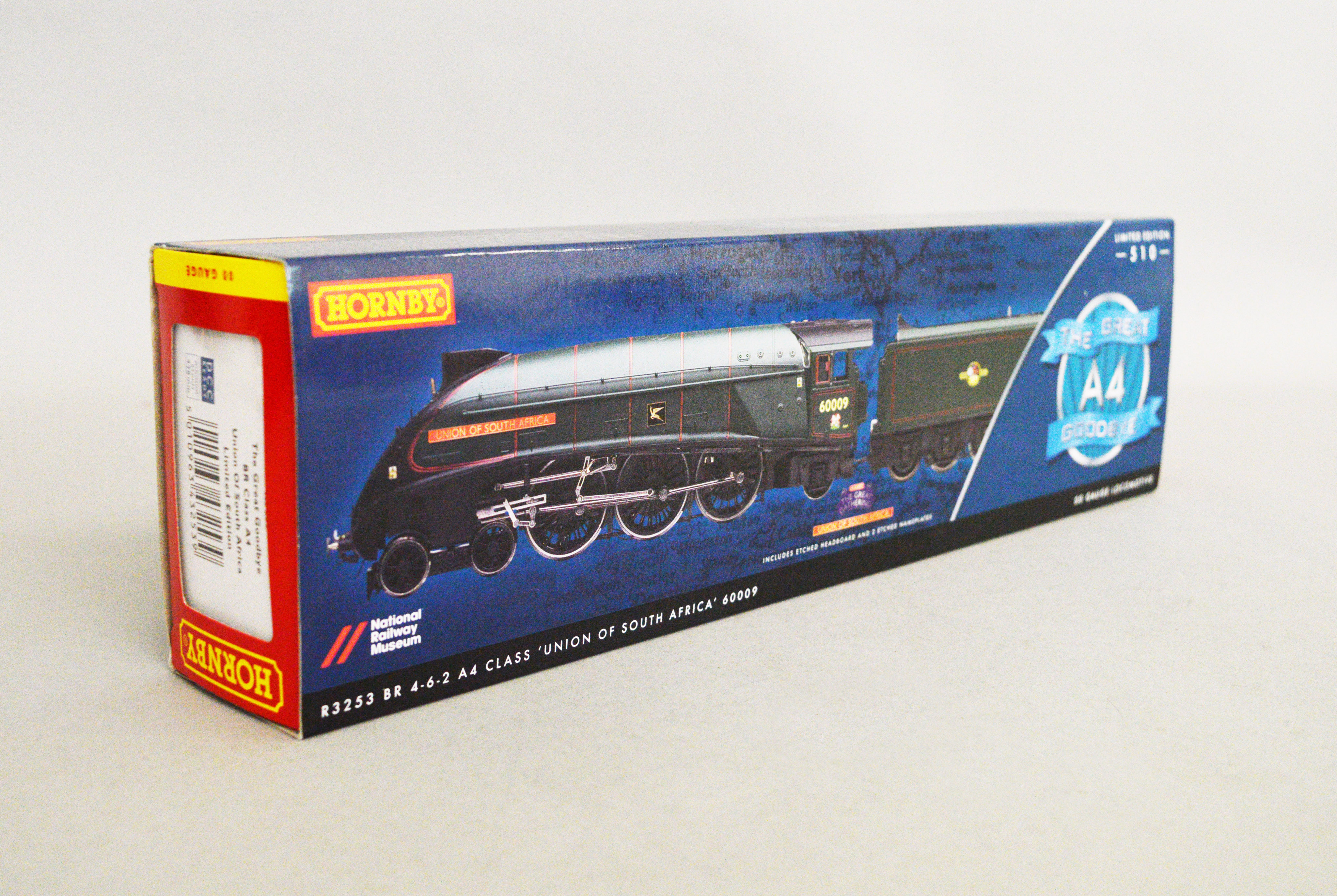 Lot 13 - OO gauge.