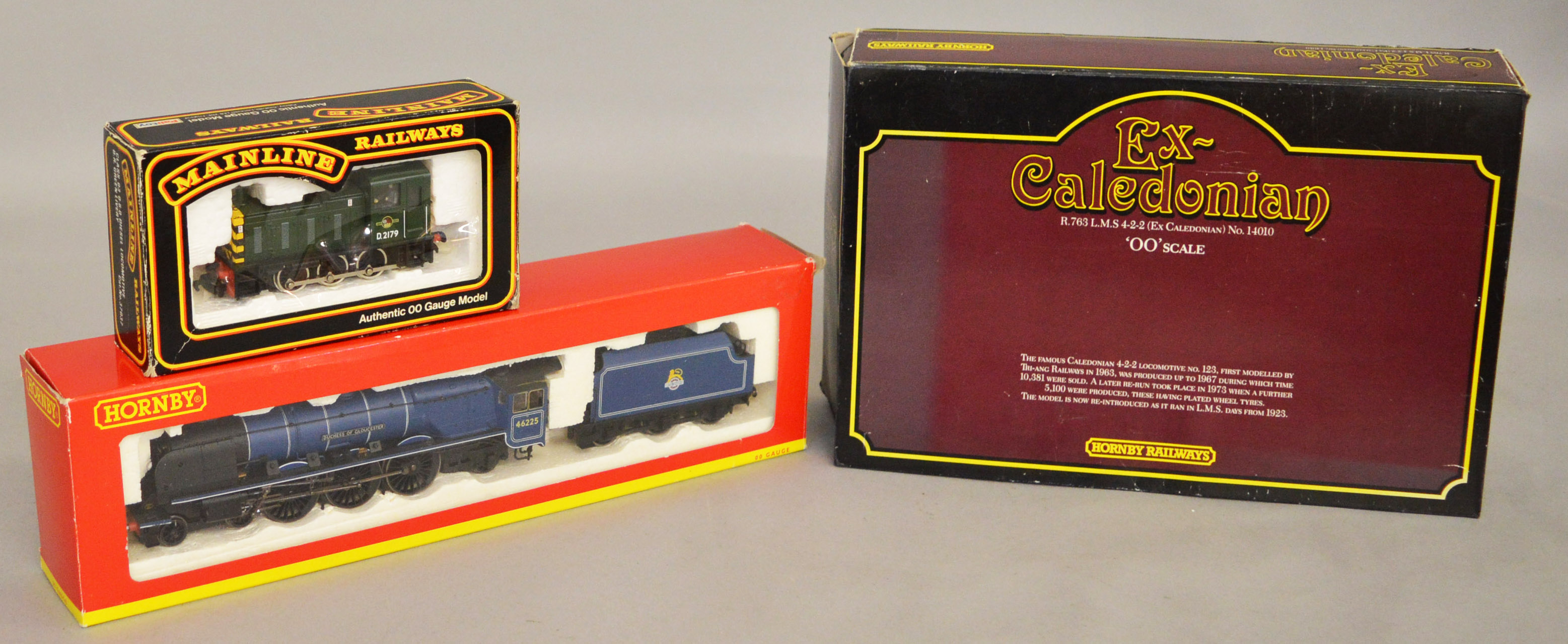 Lot 36 - OO Gauge. Three boxed Locomotives including two by Hornby, R2386 B.R.