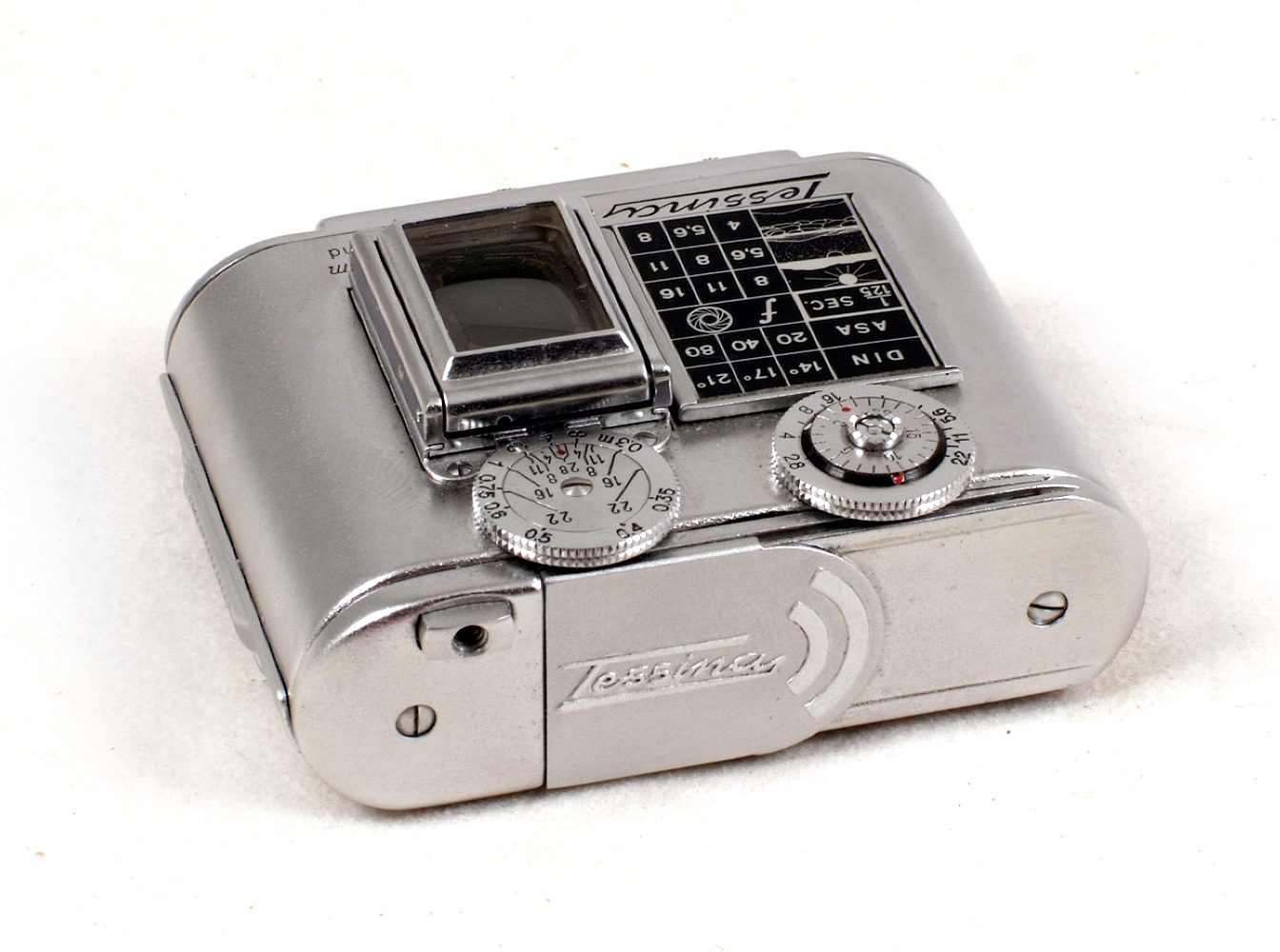 Lot 51 - Tessina Automatic 35mm Miniature Camera Outfit. #61336 (condition 5F).