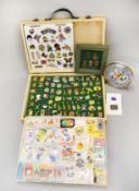 Mixed lot of collectable badges and erasers. Together with a Warner Brothers clock.