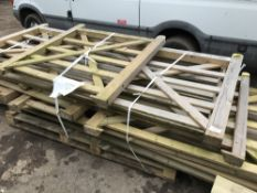 15NO APPROX ASSORTED FIELD GATES 0.9-3.9M