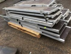 FLAT ROOF ACCESS SYSTEM C/W 3 X LADDERS AND HYDRAULIC RAM UNIT