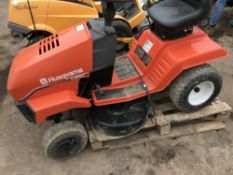 HUSQVARNA LT112 5 SPEED RIDE ON MOWER...WHEN TESTED WAS SEEN TO DRIVE AND CUT NO VAT ON HAMMER