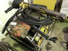 JCB HYDRAULIC BREAKER PACK WITH HOSE AND GUN
