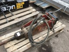 TAKEUCHI TKB71 BREAKER ON 35MM PINS REGASSED AND TESTED...NO VAT ON HAMMER PRICE