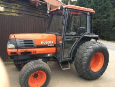 KUBOTA L4200 4wd cabbed tractor 2623 rec hrs