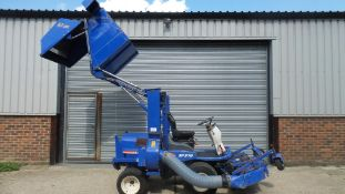 ISEKI SF37 OUT FRONT MOWER WITH COLLECTOR