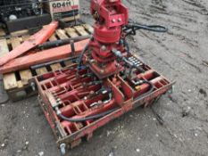 Block and beam grab unit c/w rotator...NO VAT ON HAMMER PRICE