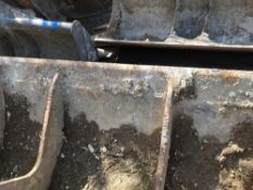 2METRE WIDE GRADING BUCKET ON 90MM PINS, 51CM CENTRES APPROX