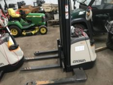 CROWN SX WAREHOUSE BATTERY PEDESTRIAN FORKLIFT TRUCK, YEAR 2016 BUILD, WITH CHARGER, 122NO REC