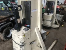Crown battery pedestrian forklift, yr1993, direct from company liquidation SN:3A103480 When tested