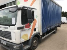 MAN 7.5tonne curtainside lorry c/w manual gearbox, reg. MX57 KCZ. WHEN TESTED WAS SEEN TO DRIVE,