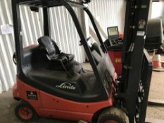 LINDE 2 TONNE GAS FORKLIFT YEAR 2006 TYPE H20T-03 SN:H2X350T00537. WHEN TESTED WAS SEEN TO DRIVE,