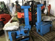 2 x tyre removing stations