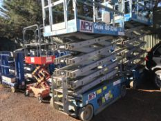 GENIE GS3246 SCISSOR LIFT UNIT PN:PL024 YEAR 2006 SN:GS460680215 WHEN TESTED WAS SEEN TO DRIVE,