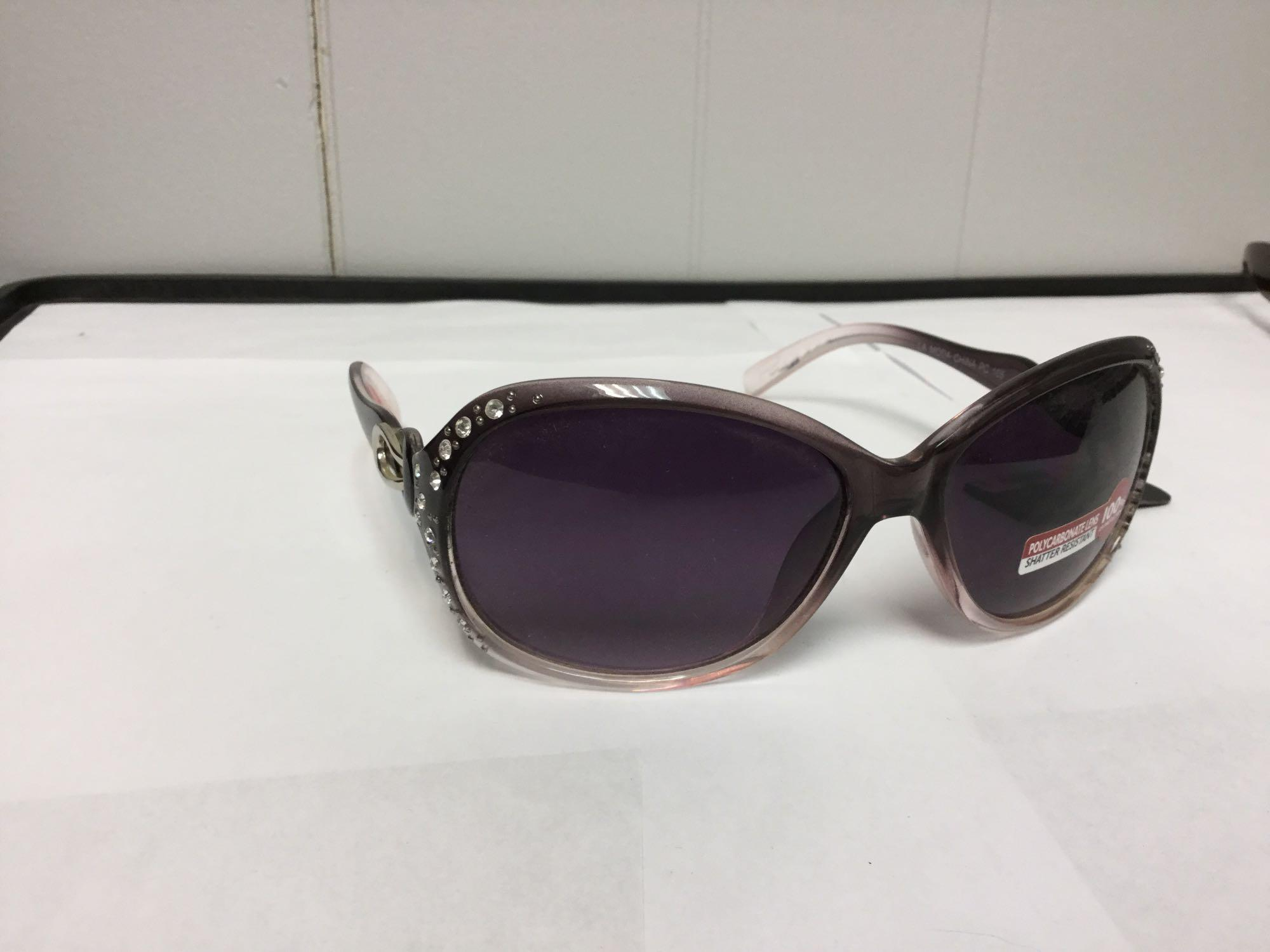 Lot 17 - Lot of 2 Women's Fashion Sunglasses