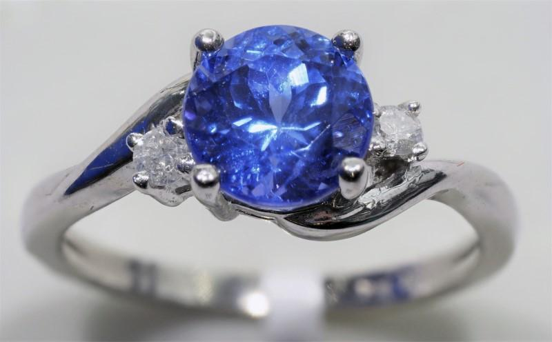Lot 32 - 10K White Gold Tanzanite (December Birthstone) (1.5ct) 2 Diamond (0.11ct) Ring. Insurance Value $300