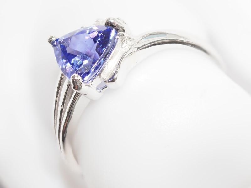 Lot 21 - 14K White Gold Tanzanite (December Birthstone) (1.27ct) 3 Diamond (0.06ct) Ring. Insurance Value $23
