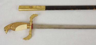 Spanischer Galanteriedegen, nach 1900Klingenhersteller Toledo, feuervergoldeter Griff in Form