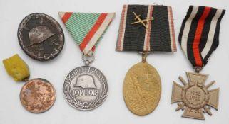 Fünf Orden 1. WeltkriegFriedrich August Medaille in Bronze, Verwundetenabzeichen in Schwarz,