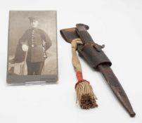 Seitengewehr mit Koppelschuh, 1. WeltkriegGriffschalen Holz, Koppelschuh Leder, mit Portepee und
