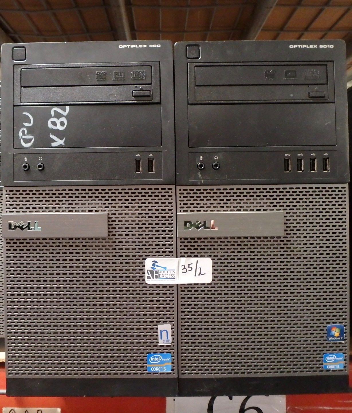 Lot 35 - LOT OF 2 DELL OPTIPLEX