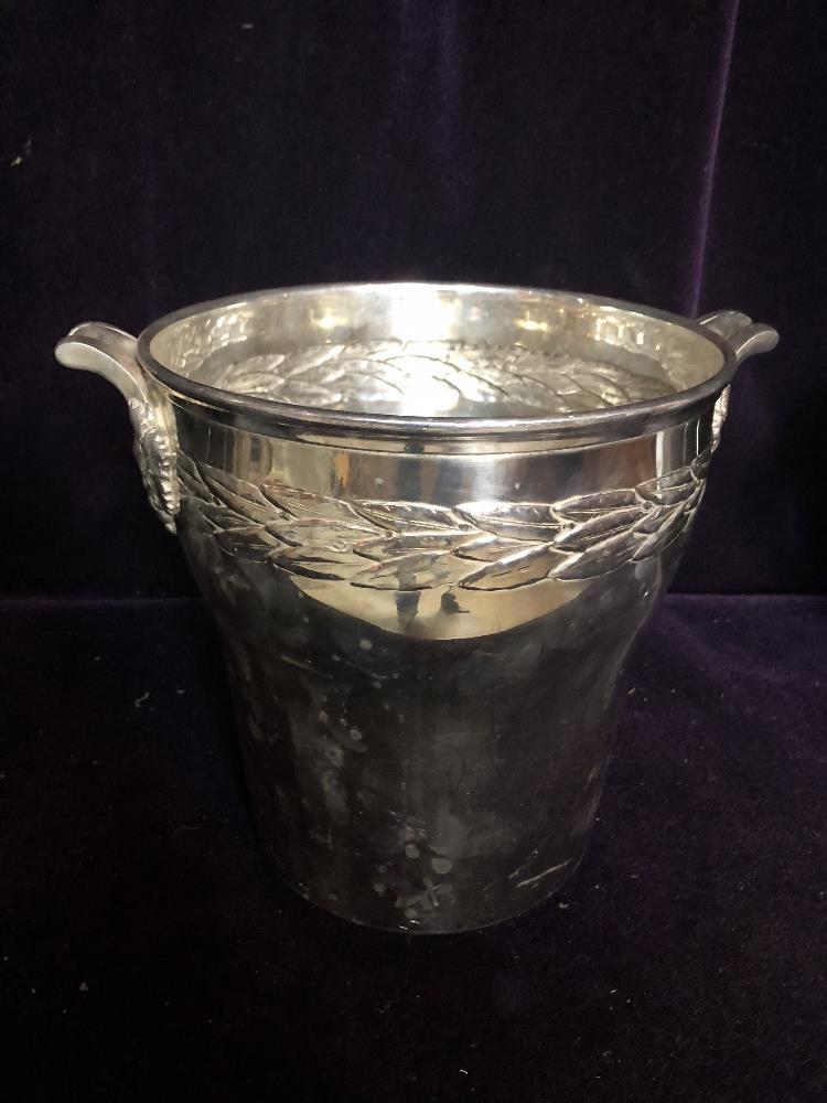 Lot 42 - Champagne bucket