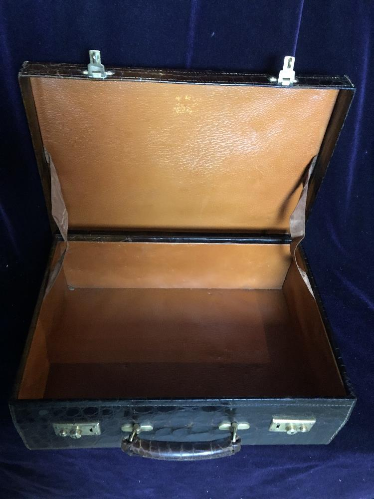 Lot 52 - Travelling case