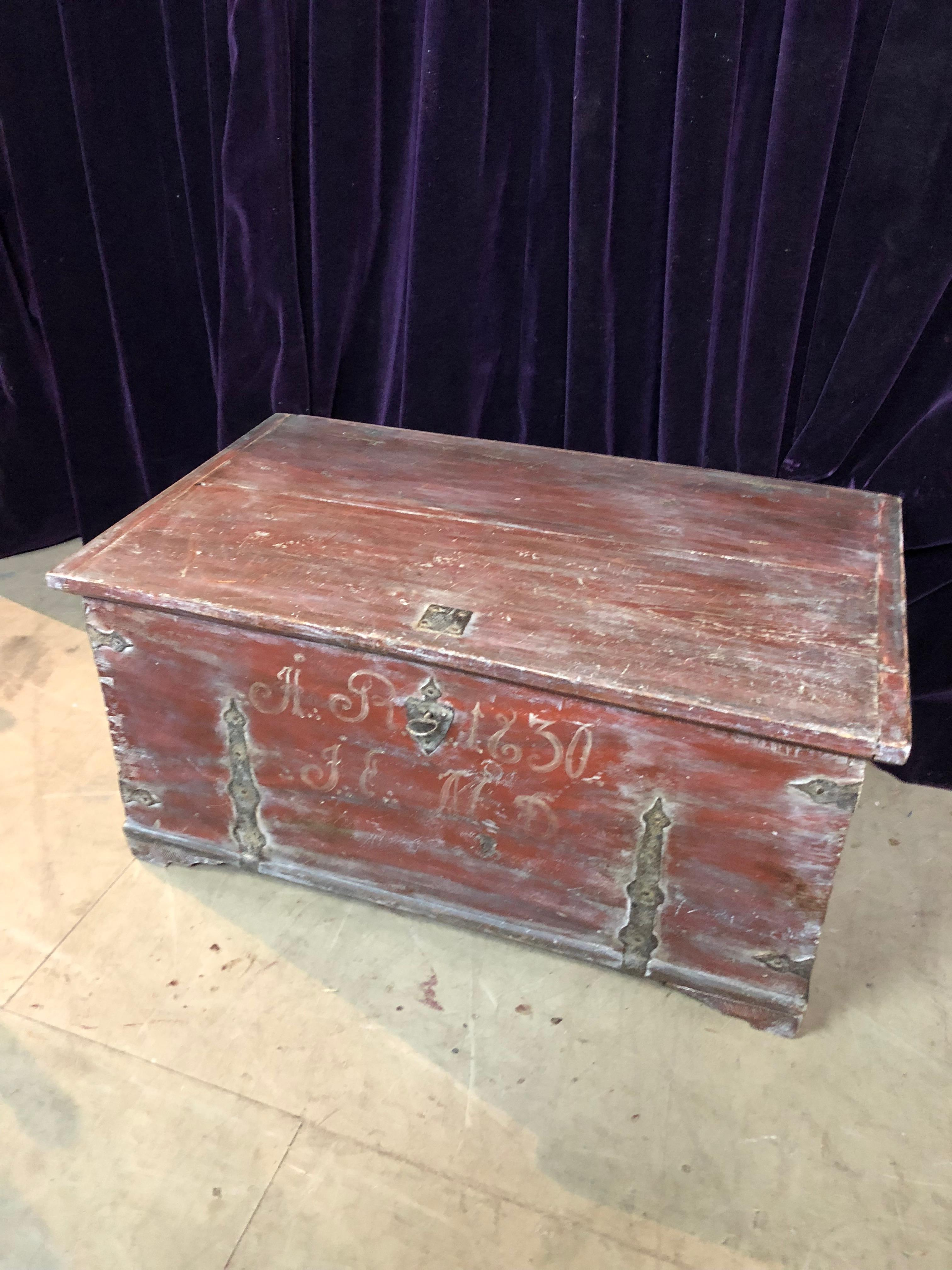 Lot 6 - Early 19th cent Swedish trunk