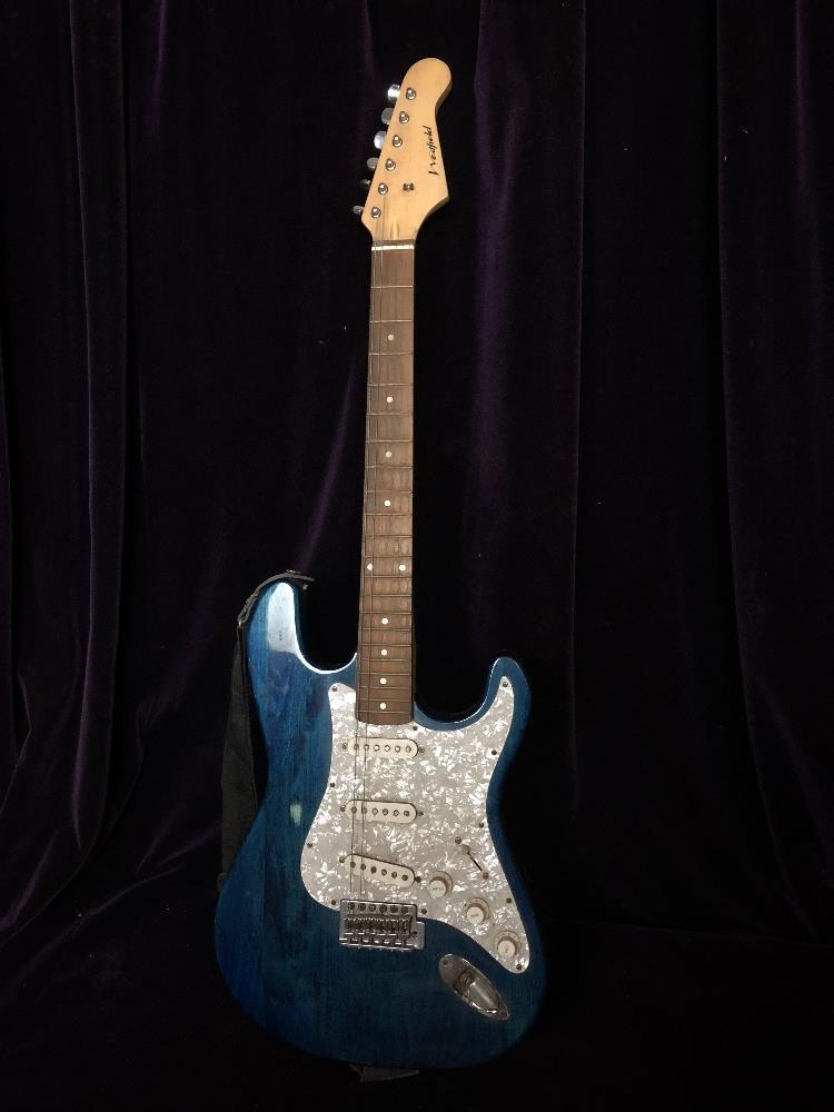 Lot 38 - Electric guitar