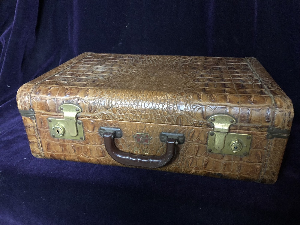 Lot 49 - Travelling case