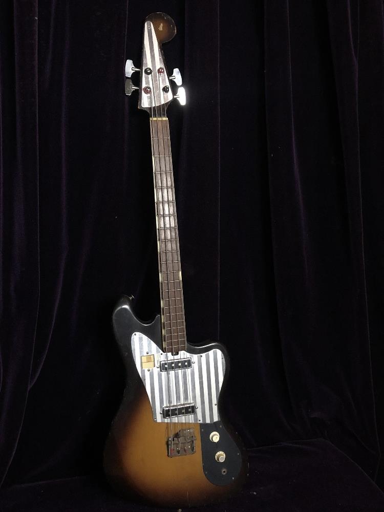 Lot 33 - Bass Guitar