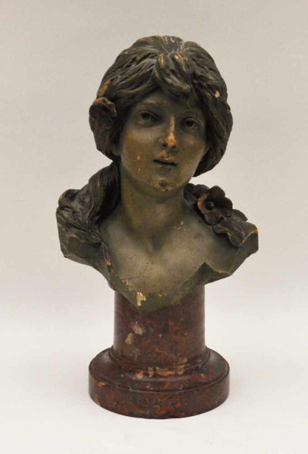 Los 5 - Büste, Frankreich um 1900,Kopf eines jungen Mädchens, Terracotta, Höhe 33 cm, beschädigt