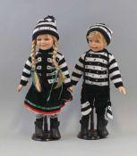 2 Künstlerpuppen Kinderpaar Porzellankopfunbespielt aus Sammlungsauflösung, H 41 cm u. H 40 cm