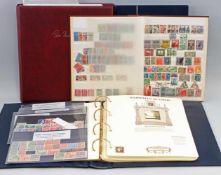 3 Alben Briefmarken und Raritäten in Goldgemischtes Sortiment, dabei Satz Thüringen (24 Stück,