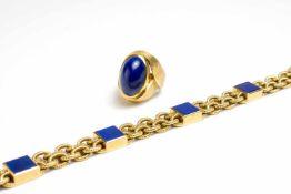 Damenarmband und Ring 750 Gelbgold, Armband besetzt mit 4 Lapislazuli-Quadraten, der Ring mit