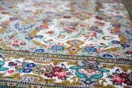Ghom Iran, Korkwolle auf Wolle, 317 cm x 226 cm, reinigungsbedürftig, am Rand mit größerem Fleck