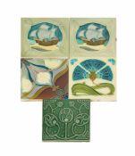 Konvolut Jugendstil-Fliesen 5-tlg., Manufactures Céramique d'Hemixem, Gilliot & Cie, Hemiksem,