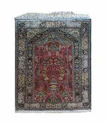 Ghom Persien, Seide auf Seide, 160 cm x 106 cm, Gutachten von 2018 vorhanden