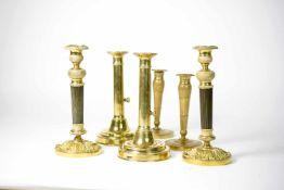 3 Paar Empire-Kerzenleuchter 6-tlg., Bronze und Messing, Höhen 18,5 cm bis 25,5 cm, einige