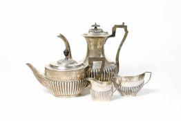 Konvolut Silberobjekte 4-tlg., 925 Silber, Teekanne und Zuckerdose, William Huttons & Sons,