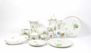 Kaffee- und Teeservice für 12 Personen 53-tlg., Meissen, 1934 - 1972, Blumendekor, Porzellan,
