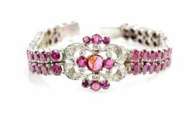 Armband333 Weißgold, ca. 30 Diamanten und Diamantsplitter, 69 Rubine, Indien, Länge ca. 17 cm,