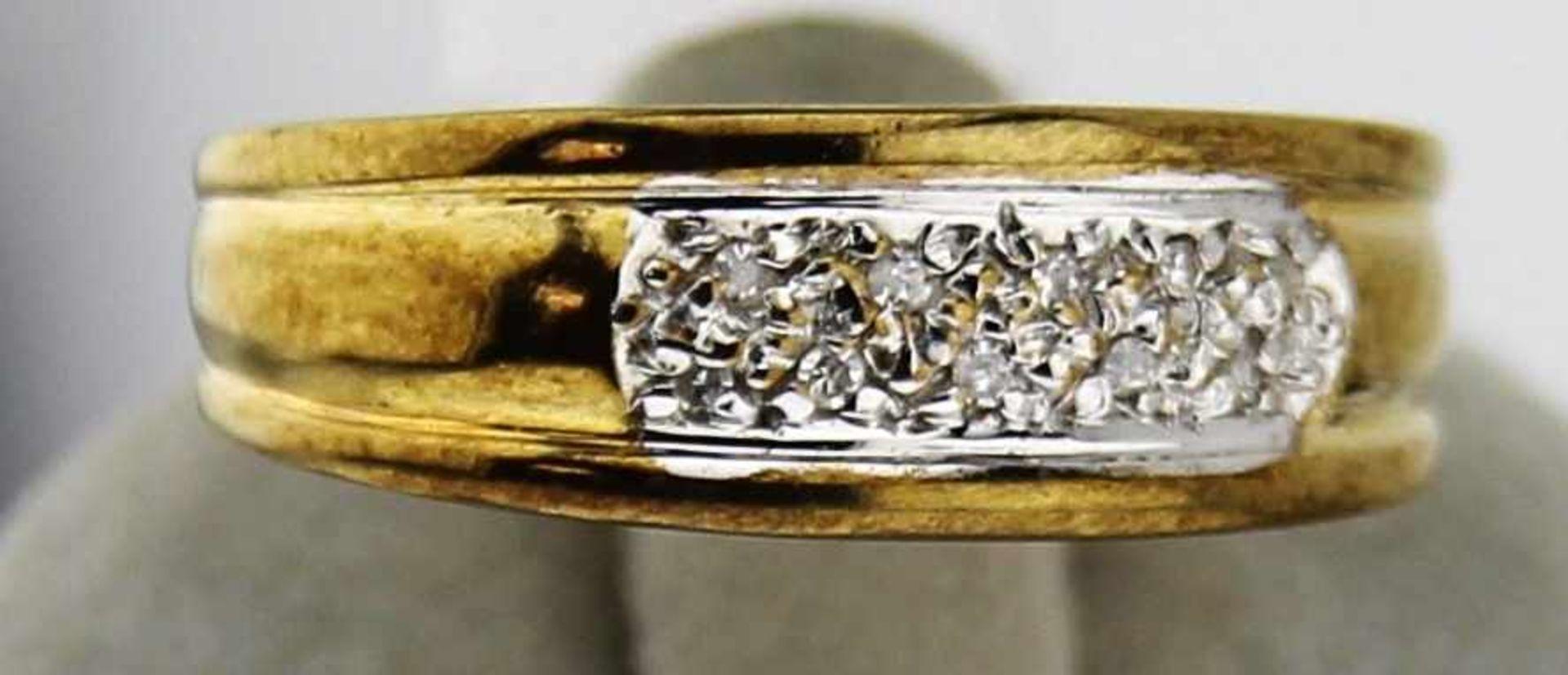 Damenring mit Diamant in 333 Gold, NOS Gr. 56, Gesamtgewicht ca. 3,2 Gramm, mit 10 Diamanten, NOS