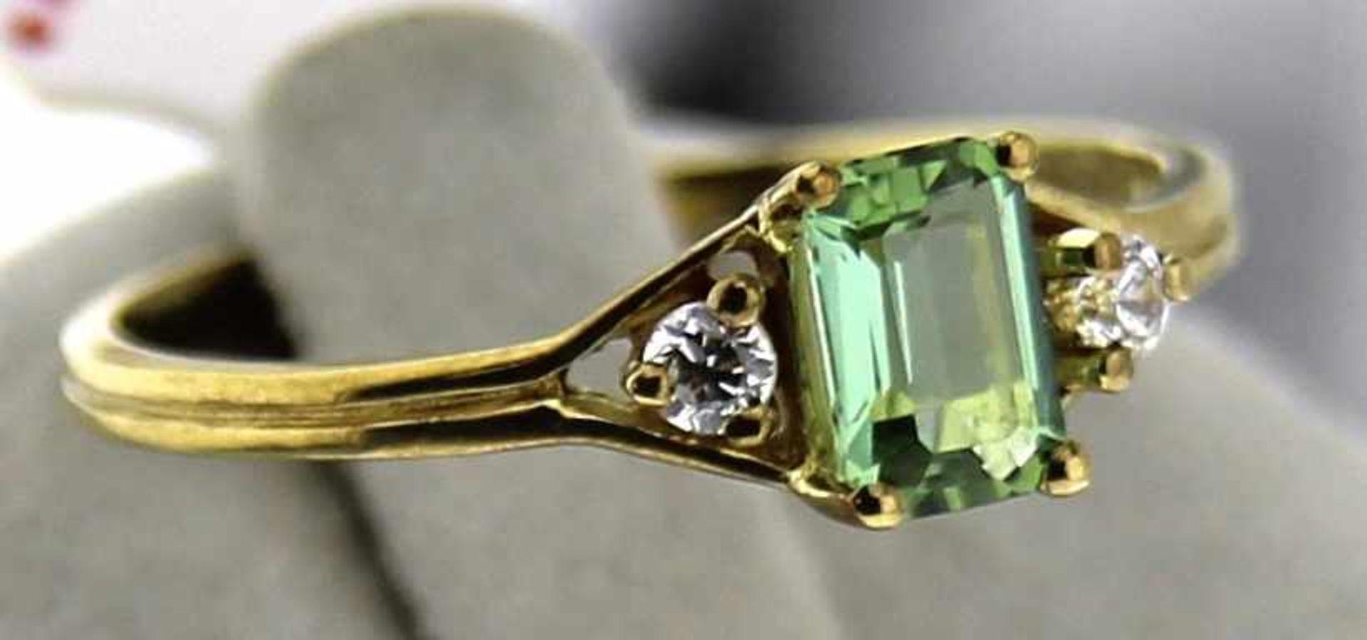 Damenring 333 Gold, NOS Gr. 56, Gesamtgewicht ca. 1,5 Gramm, syn. Steine, NOS