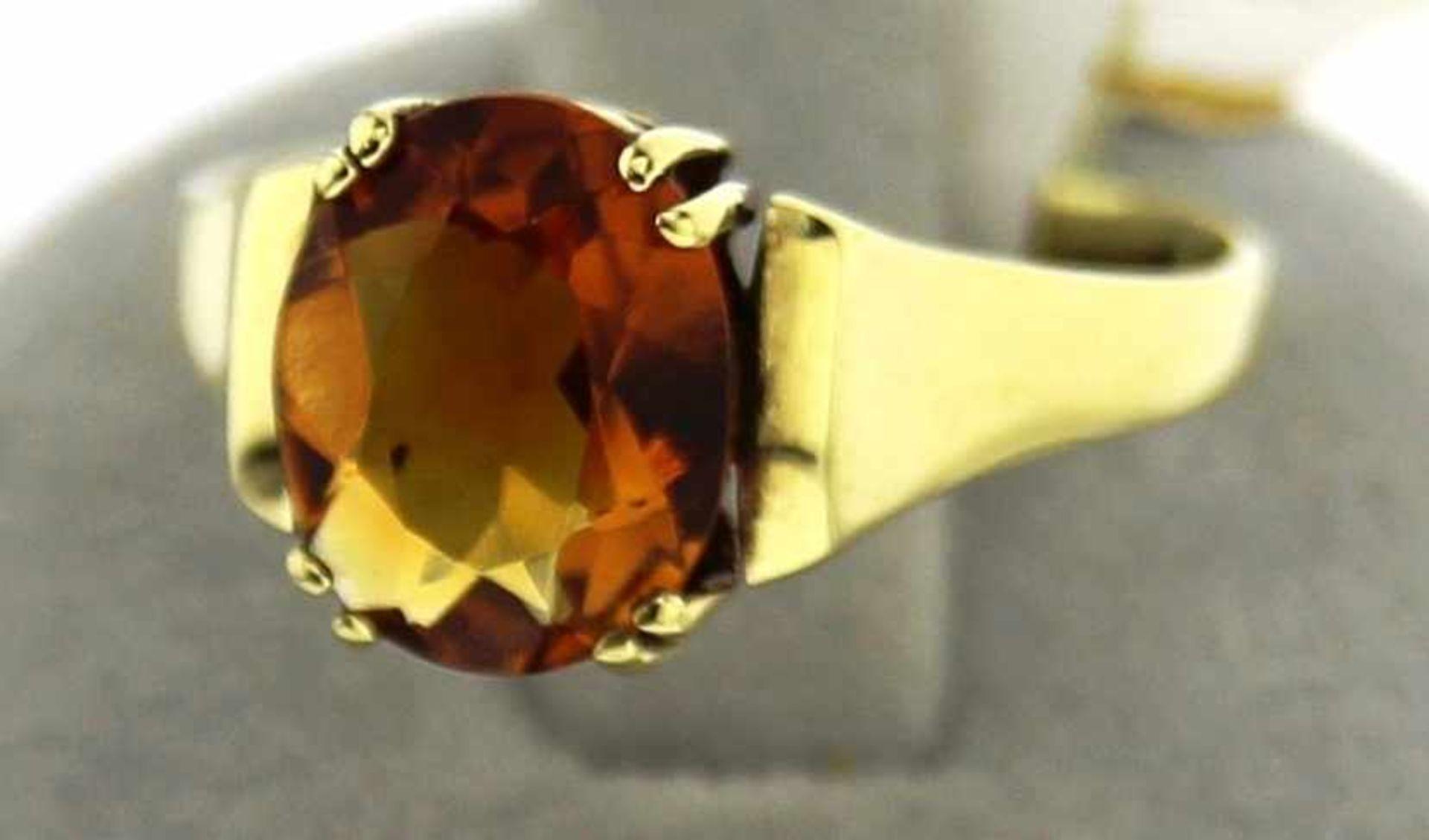 Damenring 585 mit ovalem Topas, NOS Gr. 55, Gesamtgewicht ca. 3,2 Gramm, Topas ca. 10 x 8mm, NOS