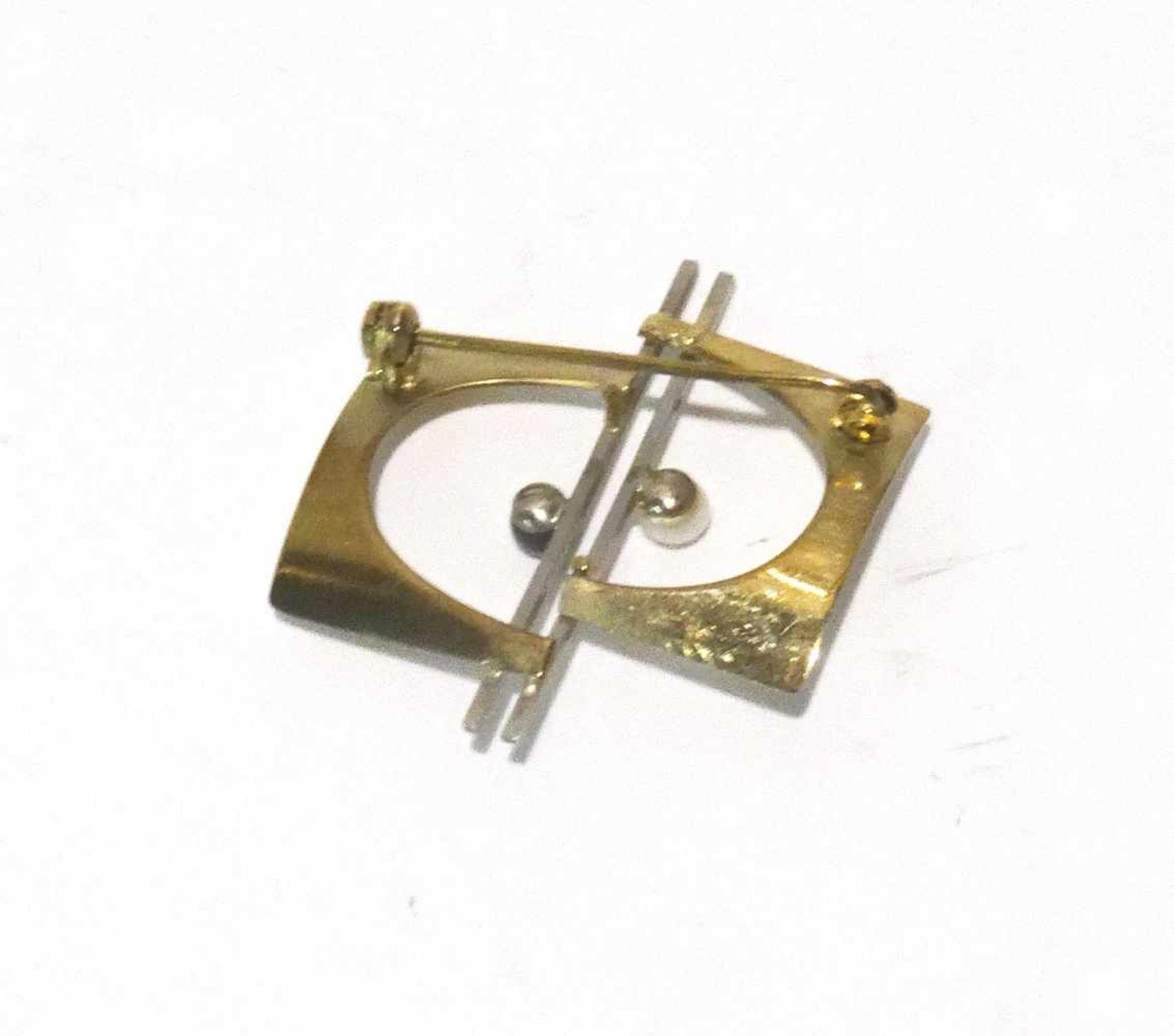 333 Gold Brosche / Nadel 2-farbig mit 2 Perlen besetzt, ca. 3 x 3cm, Gewicht ges. ca. 2,7g - Bild 2 aus 2