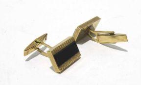 333 Gold Manschettenknöpfe 1,1 x 1,7cm im Kopf, mit Onixplatten verziert, Gewicht ges. ca. 5,9g,