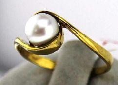 Damenring mit Zuchtperle in 333 Gold Gr. 55, Gesamtgewicht ca. 1,7 Gramm, Zuchtperle Durchmesser ca.