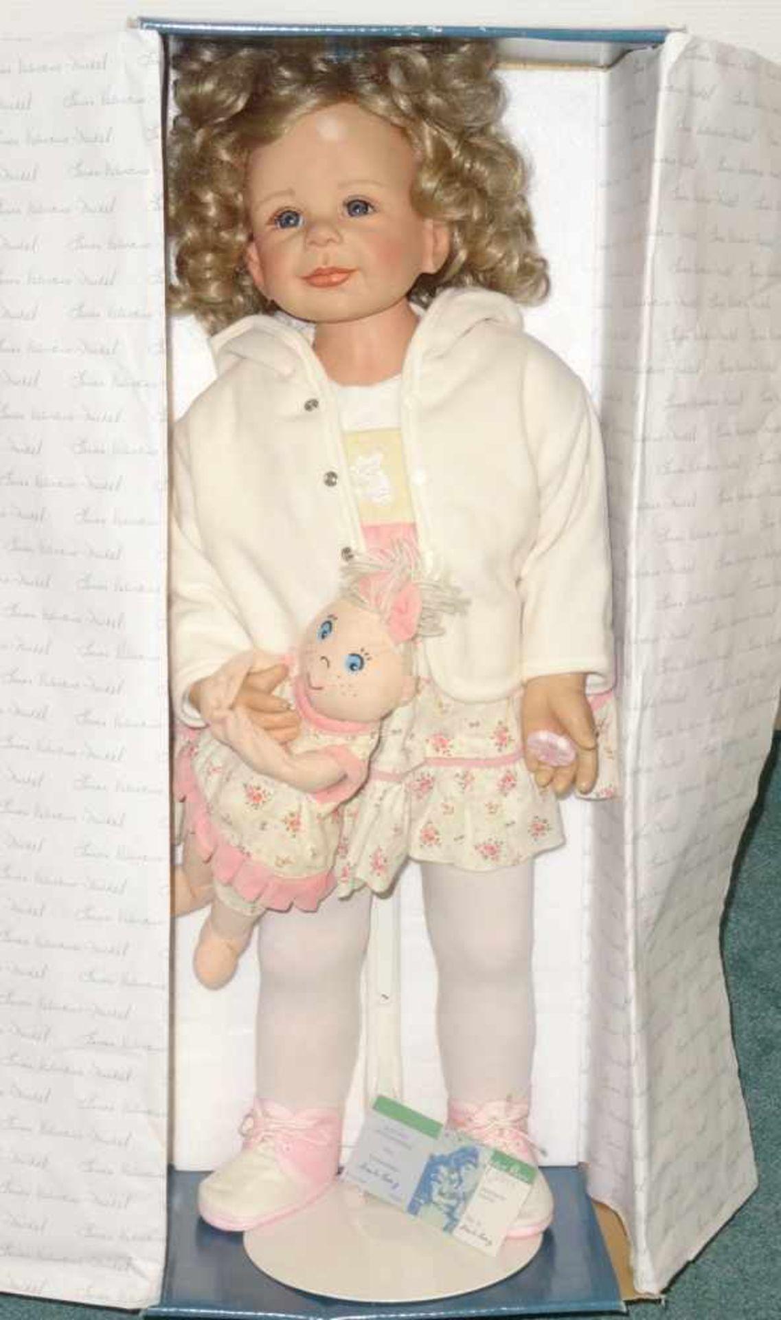 Sammlerpuppe ltd. Edition - Nina- in Freizeitbekleidung mit kleiner Puppe, Artist Doll Linda